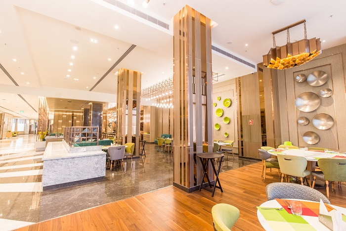 Step into the world of contemporary dining and indulge in the finest at Viva – Holiday Inn Chandigarh Zirakpur