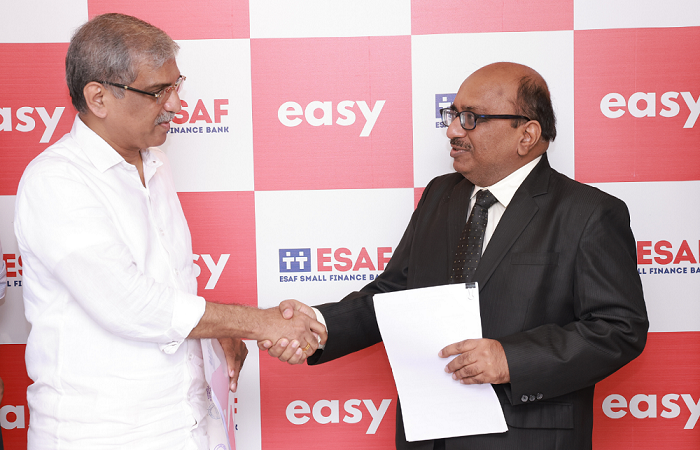 L-R (Mr. Paul Thomas, MD of ESAF Bank and Mr. Praveen Agrawal, CEO of Easy)